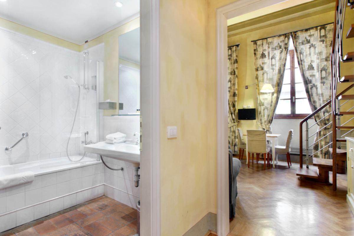 Appartamento studio per 4 persone tra Duomo e museo Accademia